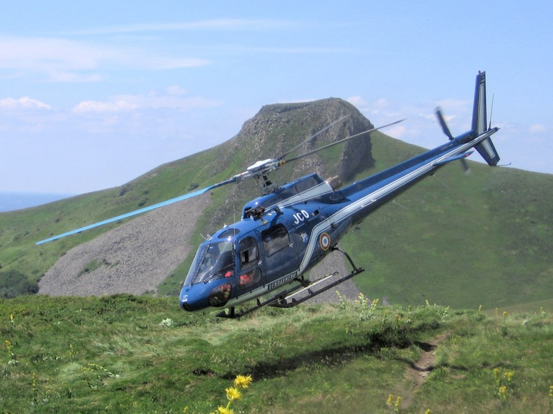 Helicopter Rescue Sancy Takeoff